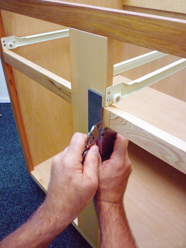 Refacing Cabinets Can Be A Real Pain Particularly When It Comes To Making Perfect Seam The Fastedge Accurate Seaming Tool Lines Up Right Where You Need